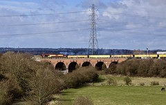 66103 Woodhouse Viaduct 17 Mar 19 (doughnut14) Tags: 66103 woodhouse viaduct rail freight diesel loco cum shed class66 gc greatcentral washlands rother sunday civil toton