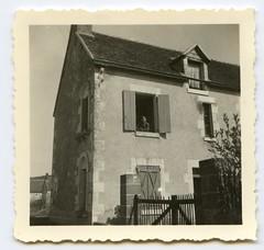 . (Kaïopai°) Tags: france occupation wwii ww2 wehrmacht besetzung soldier uniform soldat soldaten house building old vintage