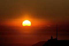 Coucher Soleil sur le Canigou depuis la tête du Grand Puech (bruno Carrias) Tags: canigou têtedugrandpuech chainedelétoile provence provencealpescôtedazur bouchesdurhône sunset soleil pyrénéesorientales mimet