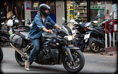 (seua_yai) Tags: asia southeastasia thailand bangkok people street candid bmw motobike bangkok2018