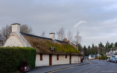Burns Cottage (Rourkeor) Tags: 25january1759–21july1796 35mm 35mmzeisssonnartlens alloway ayrshire burnscottage carlzeiss rx1r robertburns scotland sony uk fullframe historic poet thatchedroof village