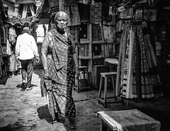 Mumbai (LXXVI) (manuela.martin) Tags: schwarzundweis streetphotography bw blackandwhite mumbai india people peoplephotography foreignpeople hipshots leicammonochrom leica leicamonochrom leicam