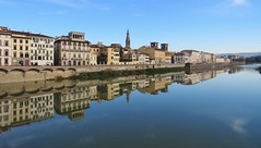 Specchio (Elisa1880) Tags: specchio spiegel reflectie reflection arno river rivier fiume italy italie italia toscana toscane florence firenze