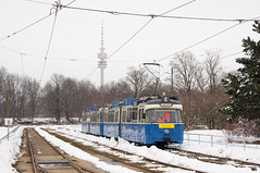 P-Zug 2005/3004 in der Ackermannschleife auf Fahrschulfahrt (Frederik Buchleitner) Tags: 2005 3004 ackermannschleife fahrschule liniee munich münchen olympiapark pwagen schnee strasenbahn streetcar tram trambahn