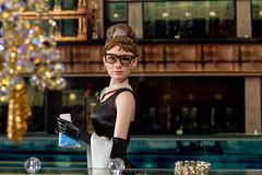Audrey Hepburn - Breakfast at Tiffany´s 1/6 (FabianoScanc) Tags: retrato audreyhepburn breakfastattiffany´s tiffany onesixthscale hottoys 16 toys doll cat shine movie film pink 1961 collector barbie starace diamonds jewelry