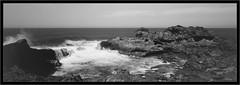 Fotoman 6x17, 90mm Super-Angulon, Atlantic, La Palma (Dierk Topp) Tags: 6x17 a7rii a7rm2 bw fotoman6x17 ilce7rii ilce7rm2 sonya7rii analog atlantic canaryislands islascanarias lapalma largeformat monochrom pano panorama sw sony wasser water waves leica macroelmaritr 6028