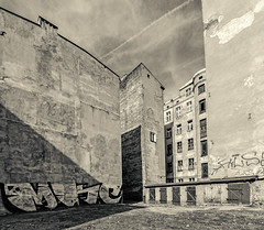 horizon of old tenements (rafasmm) Tags: łódź lodz poland polska europe old house tanement sepia monochrome urban city citycenter street streetphotography building sky outdoor nikon d90 sigma 1020 ex