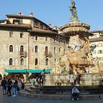 2019-03-29 03-31 Südtirol-Trentino 098 Trient, Piazza del Duomo, Fontana del Nettuno thumbnail