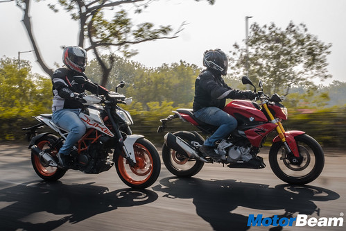 BMW-G-310-R-vs-KTM-Duke-390-12
