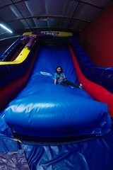 4729 Fallen (mliu92) Tags: figgy daughter belmont pumpitup birthday inflatable party nikkor 1635