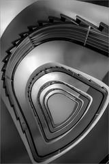 Stairwell (Eva Haertel) Tags: eva haertel indoor interieut interion architektur architecture treppenhaus stairwell staitway treppe stairs etage floor haus house gebäude building geometry geometrie spirale spiral grafisch graphic abstrakt abtract schwarzweis sw blackandwhite bw