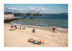 Praça do Comércio, Lisboa (Sr. Cordeiro) Tags: terreirodopaço praçadocomércio lisboa lisbon portugal praia beach rio tejo tagus river caisdascolunas turistas tourists rua street panasonic lumix gx80 gx85 14140mm