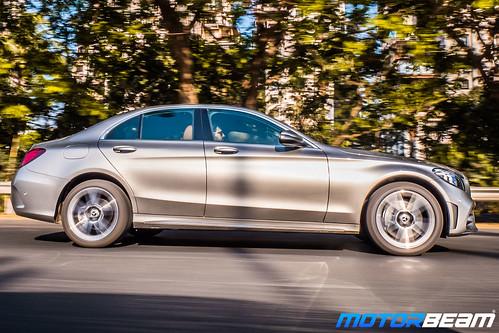 2019-Mercedes-C-300d-2