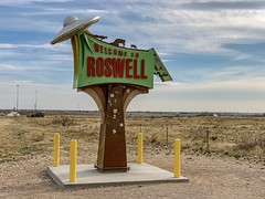 """""""Welcome to Roswell"""" just north of the city on Route 285S (lhboudreau) Tags: weird bizarre oddity welcometoroswell spaceship alien welcomesign route285s route285south route285 outdoor flyingsaucer ufo roswell newmexico welcome sign"""