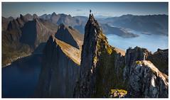 Senja dream (Ela Dzimitko) Tags: norway norwegia norge senja troms nordland nordnorge arctic arcticcircle arcticislands husfjellet hiking hillwalking hills mountains camp wildcamping stu ela ridge canon5dmk4