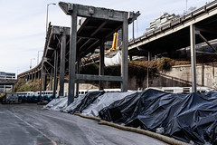 Commuting by train under the ruins of the viaduct (WSDOT) Tags: seattle gp construction wsdot alaskan way viaduct replacement demolition 2019