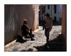 Chapeau l'Artiste! (francis_bellin) Tags: olympus andalousie streetphoto street rue photoderue 2019 fevrier espagne grenade