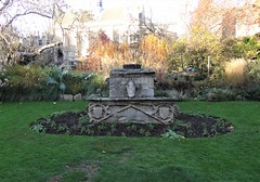 "Architectural fragments called ""Dervorguilla's tomb"" (heffelumpen9) Tags: dervorguillastomb balliolcollege oxforduniversity fellowsgarden devorgilla"