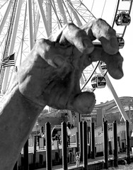 grab (CGDana) Tags: washinton dc district capitol wildlife canon 7d mkii national harbor statue bw