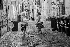 Lissabon Gente de Lisboa 58 bw (rainerneumann831) Tags: bw blackwhite street streetscene ©rainerneumann urban monochrome candid city streetphotography blackandwhite frauen lisboa lissabon gentedelisboa