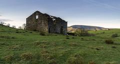 Barns (l4ts) Tags: landscape lancashire forestofbowland aonb barns ruin totridgefell