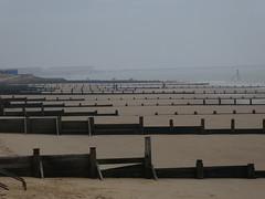 UK - Essex - Frinton-on-Sea - Beach - Groynes (JulesFoto) Tags: uk england essex ramblershikeessex tendringpeninsula walking frintononsea beach
