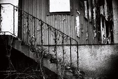 Time 2 paint | 35 mm | No edit (backmango) Tags: abandoned nikon monochrome bnw blackandwhite bw door window stairs flickrpro flickr analogue analog 35mm