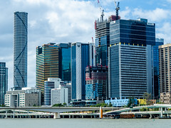 Brisbane Skyscrapers (Thanathip Moolvong) Tags: brisbane queensland australia au olympus em5mkii 45mm f18 building river construction bridge primelens