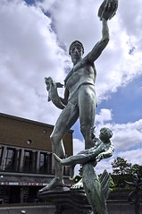 Poseidon (AntyDiluvian) Tags: gothenburg sweden swedish avenyn avenue statue sculpture carlmilles sculptor poseidon seagod art artmuseum museumofart