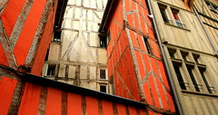 Red Zone of Troyes (Eye of Brice Retailleau) Tags: photographe no filter francais parisien adventure parisian photographer travel traveler photography photographie french voyage visit voyageur angle home tour brice retailleau quintessence de voisinage bright website backpack life backpacker beauty best composition perspective pure light colorful colourful couleurs scenic trip du monde around world earth wonderful beautiful gorgeous amazing journey destination tourisme tourism backpacking macro texture pattern lines colors colours couleur urban city architecture building france troyes center red rouge