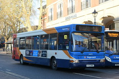 SO 34472 @ Banbury bus station (ianjpoole) Tags: stagecoach oxfordshire dennis dart plaxton pointer kv53nhg 34472 working route b5 bridge street banbury bradley arcade bretch hill