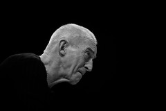 Balanyá-López (7) (FgJZgZ) Tags: bn bw blancoynegro blackandwhite noiretblanc biancoenero monocrome monochrome monotone jazz jazzman pianista josepmaríabalanyà retrato portrait concierto concert livemusic músicaimprovisada