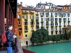 Ponte Vecchio scene (Vid Pogacnik) Tags: italy italia bassanodelgrappa pontevecchio pontedeglialpini bridge brenta river veneto