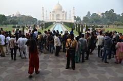 Popular Photo Spot (Pedestrian Photographer) Tags: photo spot popular agra taj mahal india indian crowded crowd popularity photography