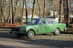 Volvo 244 DL 1977 (34-YB-73) (MilanWH) Tags: volvo 244 dl 1977 34yb73 green sedan fourdoor alloy wheels