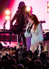 Florence and the Machine 12/09/2018 #22 (jus10h) Tags: florence welch themachine florenceandthemachine theforum forum inglewood losangeles california live music concert festival fest kroq almost acoustic christmas sunday december 9 2018 justinhiguchi sony dscrx10 dscrx10m3