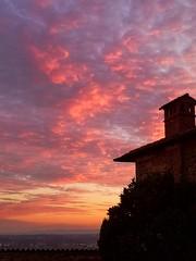 Infinity Sunset  #sunsets #cloudslovers #biella #biellese #nubes #nuvole #sky #infinity #visitpiedmontitaly #piedmont #medieval (! . Angela Lobefaro . !) Tags: sky biella nuvole visitpiedmontitaly biellese medieval sunsets infinity nubes cloudslovers piedmont piemonte italy p20pro valdengo