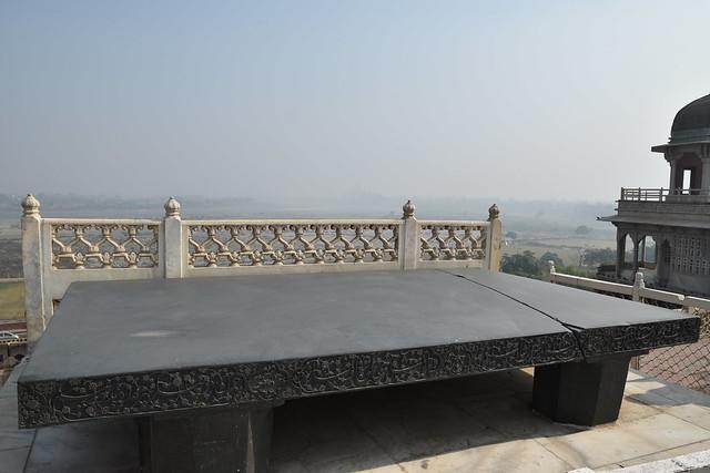 ... And Reaction (Diwan-e-Khas, Agra Fort)