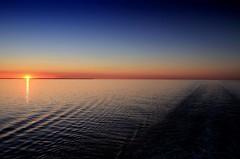 Danish Sun / Sol danés (Ramon Oria) Tags: denmark dinamarca copenhagen copenhague kiel baltic báltico baltico sea mar sun sol danmark danés danish københavn sunset puesta de travel trip viaje soleil danois dansksol dänischesonne danishsun solen