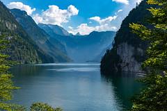 Fotoreise Berchtesgadener Land (Foto-Wandern.com) Tags: berchtesgadenerland bayern königssee deutschland germany tourismus tourism bergsee alpen alps berge mountains fotoreise fotokurs fotowanderncom schiff elektroboot berchtesgaden st bartholomä bavaria grün sun sonne