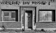 A message that makes you think. (Eric@focus) Tags: blackwhitephotos antwerpen fierensblok dwwg windows door girl balloons icecream letters missing noentry step noiretblanc sunlight shadows contrast mailbox letterbox housenumber message think