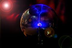 _DSC7564 Plasma Flare (Charles Bonham) Tags: plasmatube plasma nikolatesla sonyzeiss55mmf18 midlandcenterforthearts mcfta museum electricity gas reflections sonya7rll charlesbonhamphotography lensflair hss