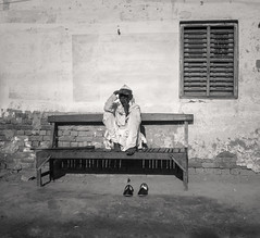The Bench - Samyang 21mm 1.4 (thomas.pirolt) Tags: india goverdhan radhakund streetphotography street streetlife sony a6000 sonya6000 samyang people portrait candid moment theindiatree life bw blackandwhite black white monochrome