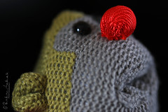 Red nose #17 explore-28/01/19 (~ **Barbara ** ~) Tags: macromondays cloth rednose monkey pgtips tea small closeup knitted green red silk woven textures macro canon7dii explore