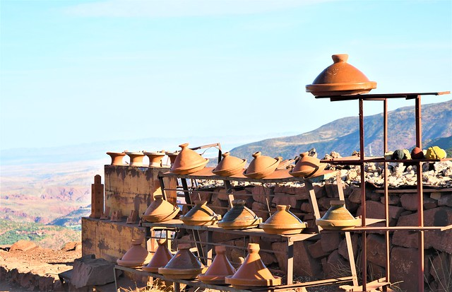 Morocco Pottery Stand  山中汽锅