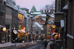 IMG_3161 (huguesasnard) Tags: quebec city canada petit champlain rue street christmas winter hivers cold night castle tower snow neige chateau canoneos100d