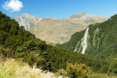 20190207-31-Surrounding mountains (Roger T Wong) Tags: 2019 nz newzealand rogertwong sel24105g sony24105 sonya7iii sonyalpha7iii sonyfe24105mmf4goss sonyilce7m3 southisland westmatukitukivalley bushwalk hike landscape outdoors tramp trek walk