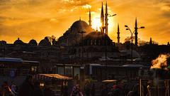 Last ray (Miradortigre) Tags: istanbul estambul city ciudad sunset atardecer turquia turkey mezquita mosque stone piedra sun sol