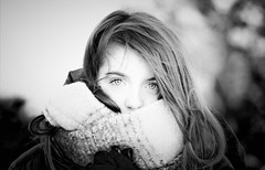 portrait in bw (Angelo Petrozza) Tags: portrait ritratto blackandwhite biancoenero bw hair eyes occhi capelli focus smcdfa100mmf28macrowr angelopetrozza sciarpa scarf