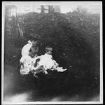 Archiv S239 Familienfoto, 1910er thumbnail